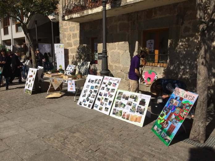 El puesto de La Huerta al Cole en la Feria del Libro